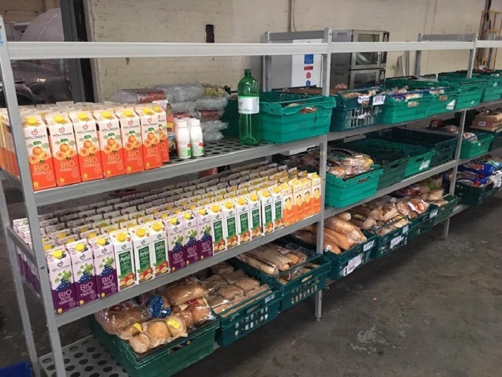 Artık yiyecekleri satan süpermarket açıldı | İngiltere Leeds'e yakın Pudsey'de açıldı.