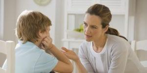 Çocuğunuzun Yalan Söylediğini Anlayabilir Misiniz? | Yalan konuşan çocuğunuzla karşılıklı konuşmalısınız.