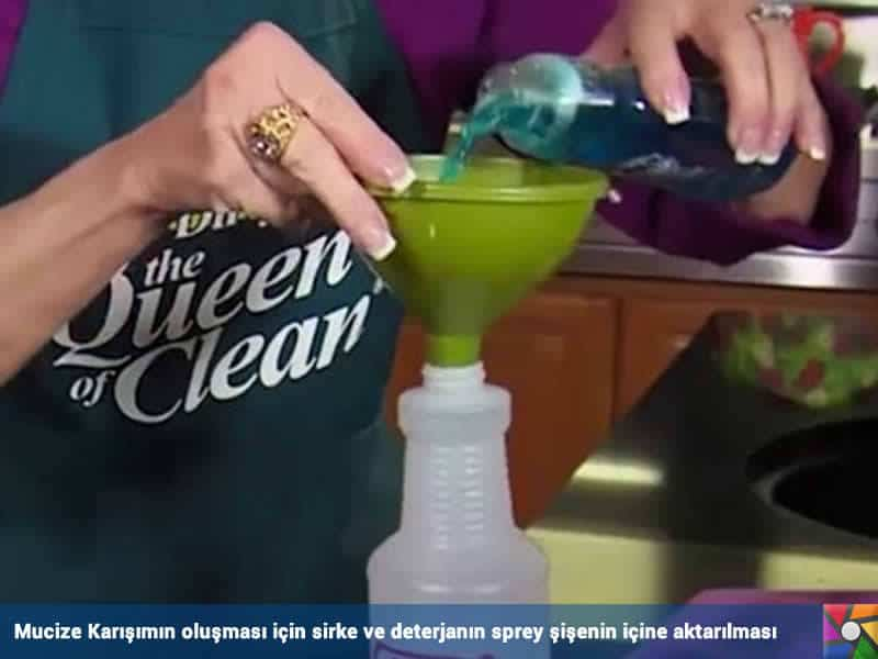 Evde Fayans Temizliği Kabusunuz Olmasın | Mucize Karışım, sirke ve deterjanla beraber sprey şişeye aktarılıyor.